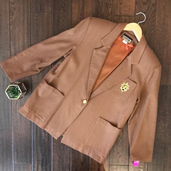 Niki Taylor Jackets & Blazers - NWT Niki Taylor vintage one button crest blazer